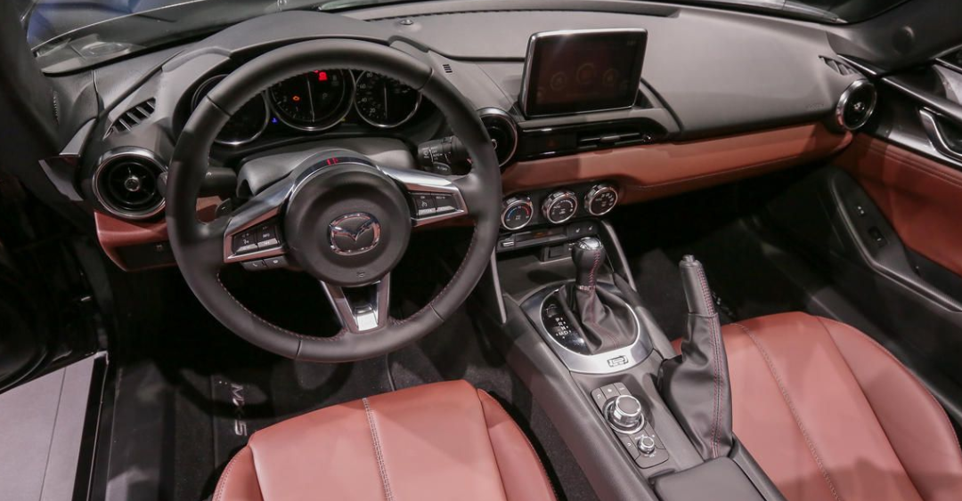 2021 Mazda MX-5 Miata RF Club 0-60 Interior